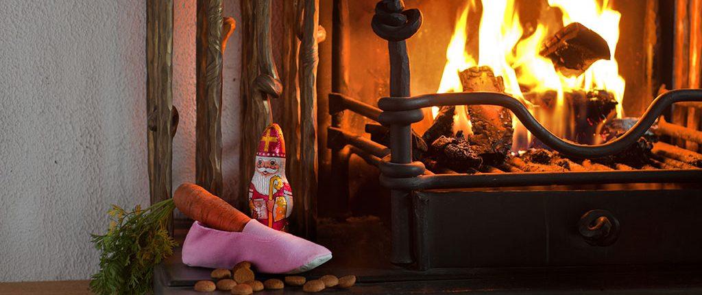Open haard met schoen zetten voor Sinterklaas